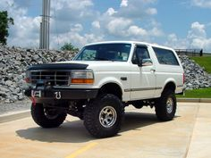 Mid 90's Ford Bronco XLT