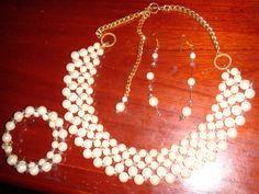 Juego de Collar, pulsera y aretes de perlas y cristales, hecho a mano