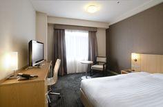 hotel room 12th floor essay