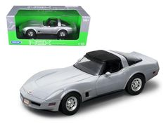 1982 Chevrolet Corvette Silver 1:18 Diecast Car Model by Welly - 12546S