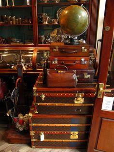 more vintage trunks n' things.