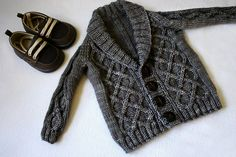 adorable hand knit baby cardigan by nevernotknitting
