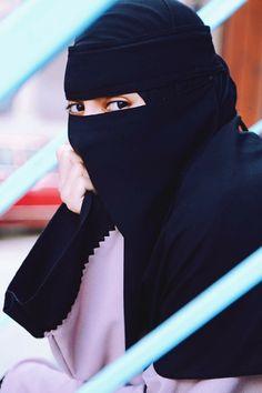 Niqab Hijab Niqab, Muslim Hijab, Hijab Outfit, Arab Girls Hijab, Muslim Girls, Beautiful Muslim Women, Beautiful Hijab, Hijabi Girl, Girl Hijab