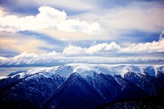 Snow Australia - beautiful view of snow covered mountains at Falls Creek in Victoria's alpine region #snowaus