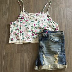 "Floral crop top paired with distressed boyfriend jean shorts.   For pricing and size availability, please call us at 786-740-1407 or email us at r2cboutique@gmail.com  #LooksWeLove #OutfitsWeLove  #SummerStyle #Boutique #Fashion #Summer #Style  #Weekend #OOTD #OOTN #Miami #swim #onlineboutique #CoralGables #Pinecrest #SouthMiami #SouthBeach #Wynwood #PembrokePines #Midtown #Kendall #MiamiLakes #Downtown #tagforlikes"" Photo taken by @racktocloset on Instagram"