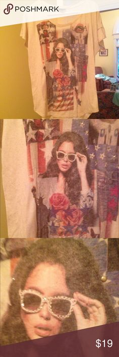 Style&Co tan t shirt rhinestone sunglasses Size L Like new tan t shirt size L by Style and Co. has memorabilia on the front ( the flag, statue of liberty and a girl in sparkly rhinestone sunglasses) Rock on ❤️ Style & Co Tops Tees - Short Sleeve