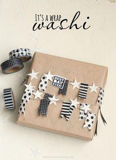 Con un poco de creatividad washi tape y papel craft se pueden hacer paquetes de regalos diferentes. Inspiration vía Ave Blog