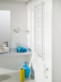 Standardowe rozwiązania najczęściej okazują się najlepsze. Łazienka cała w bieli będzie ponadczasowa.