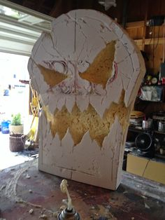 halloween graves Here's how the gravestone began. First I used 2 sheets of large foamcore board Voodoo Halloween, Halloween Graveyard, Halloween Tombstones, Halloween 2014, Homemade Halloween, Outdoor Halloween, Holidays Halloween, Halloween Prop, Halloween Stuff