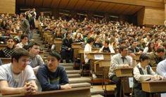 Guvernul a aprobat miercuri o serie de reglementari privind programele de studii pentru 2015-2016.