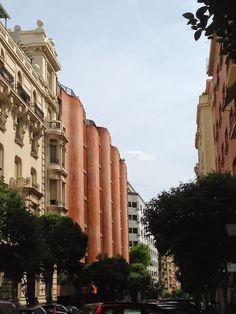 EDIFICIO DE VIVIENDAS GIRASOL (MADRID 1966)  JOSÉ ANTONIO CODERCH     Arquitecto: José Antonio Coderch y de Sentmenat (1913 - 1984).  Ubi...