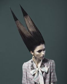 British Hairdressing Awards - Avant Garde by ItsSoOnThatThingsHaveNowBecomeLikeDonkeyKong, via Flickr