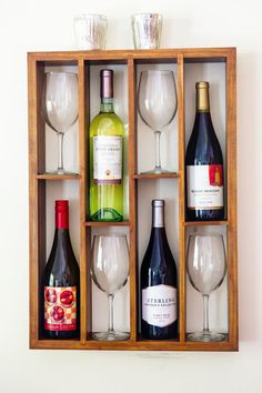Wall Mounted Staggered Wine Rack with Wine Glass por WoodChops