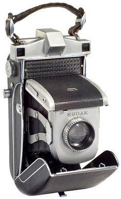 1938. Kodak Super 620 à diaphragme indexé automatiquement par le débit de la cellule sélénium.