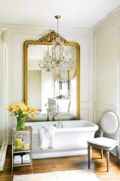Amazing #bathroom, #vintage #mirror