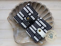 Chat card holder by ManoFactured on Etsy