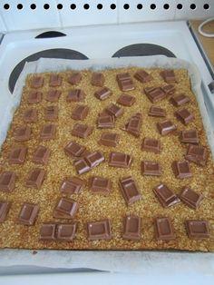 KOTI MAATILALLA: Kaurasuklaaneliöt Alice Springs Chicken, Sweet Cakes, Something Sweet, Copycat Recipes, Baking Recipes, Sweet Tooth, Brunch, Food And Drink, Stuffed Peppers