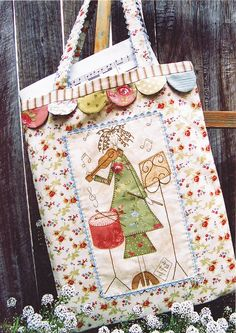 Fabric Patch Matilda's Music Tote- by Hatched and Patched - Bag PatternSECONDARY_SECTIONMatilda's Music Tote by Anni Downs for Hatched and Patched Patterns Completed size: wide x deep x Patchwork Bags, Quilted Bag, Patchwork Quilting, Fabric Crafts, Sewing Crafts, Diy Crafts, Anni Downs, Craft Projects, Sewing Projects