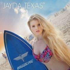 JAYDA TEXAS HAVING FUN AT THE BEACH IN NEW JERSEY.