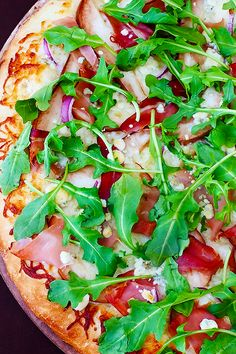 Pear, Prosciutto, Arugula & Gorgonzola Pizza -- sweet and savory and wonderfully simple! | gimmesomeoven.com