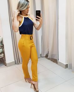 La imagen puede contener: una persona, de pie Classic Outfits, Cool Outfits, Casual Outfits, Fashion Outfits, Diva Fashion, Fashion Trends, Professional Outfits, Women's Summer Fashion, Latest Fashion For Women