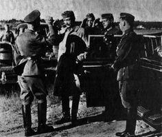 Carl Mannerheim greeting Heinrich Himmler during Himmler's visit to Finland, 1940s