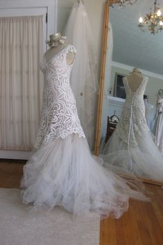 Mermaid Tulle Antique Lace Bridal Gown Boho chic от hippiebride