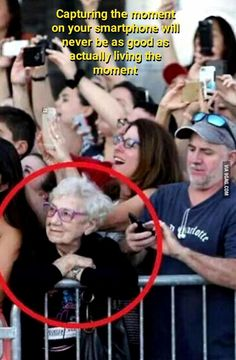 Capturing the moment .. - 9GAG