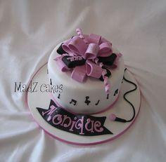 Girl's music cake