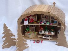 Santa's elves' workshop -must click to see all the fabulous details!!