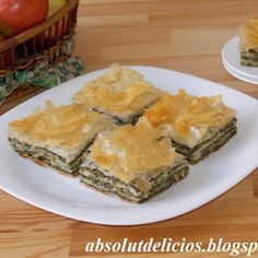 Cheesy and packed with Mediterranean flavors, this spinach and feta pie is absolutely amazing! Spanakopita is a very popular Greek pie, flavorful and absolutely delicious. Spanakopita, Spinach And Feta, Mediterranean Recipes, Greek Recipes, Food For Thought, Food Photography, Food Porn, Appetizers, Cooking Recipes