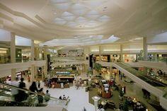 Woodfield Mall – Schaumburg, Illinois