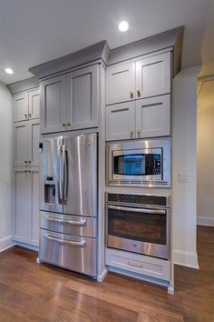If you're considering a kitchen remodel, you won't intend to miss this collection of ideas as well as advice from relied on restoration experts. Find out about kitchen design Kitchen Layout Plans, Kitchen Pantry Design, Kitchen Redo, Home Decor Kitchen, Kitchen Interior, Home Kitchens, Island Kitchen, Kitchen Ideas, Armoire