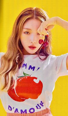 A nice pair of love apples and cherries on the top. Kpop Girl Groups, Korean Girl Groups, Kpop Girls, Chung Ah, Kim Chanmi, Kim Chungha, Kpop Aesthetic, Queen, Korean Singer