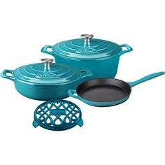 Rustle up all sorts of mouth-watering dishes with La Cuisine's PRO Enameled Cast Iron Cookware Set. This set includes the covered saute, covered oval casserole, open skillet with cast iron handles and an oval trivet. La Cuisine's PRO cast iron cookware i Searing Meat, Enameled Cast Iron Cookware, Enamel Cookware, Casserole Pan, Cookware Set, High Gloss, It Cast, Cooking, Teal