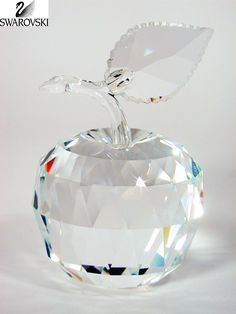 Waltz&F Crystal Apple Paperweight Craft Decoration (red) Swarovski Ornaments, Swarovski Crystal Figurines, Swarovski Jewelry, Glass Ornaments, Swarovski Crystals, Clear Crystal, Clear Glass, Glass Art, Glass Figurines