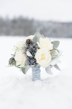 A blue and silver winter wedding | Wedding Bouquets