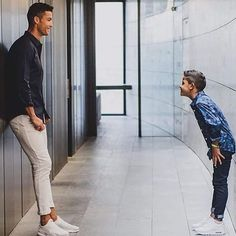 Father and SON. If the father of Junior is Cristiano Ronaldo? Junior What turns out to be? Father and SON. If the father of Junior is Cristiano Ronaldo? Junior What turns out to be? Cristiano Ronaldo Style, Cristiano Ronaldo Manchester, Cristino Ronaldo, Ronaldo Football, Cristiano Ronaldo Cr7, Neymar, World Best Football Player, Football Players, Cr7 Jr