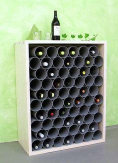 Weinregal aus Fallrohren