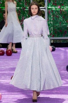 See the complete Christian Dior Fall 2015 Couture collection.