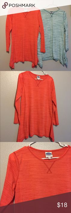 Set of 2 Tops This listing is for 2 tops.  They are both sized large.  They are longer then cascade longer on the sides.  Long sleeved.  Good for active wear or just a great go to shirt.                 (17.10.0.1) DG2 Tops Tees - Long Sleeve