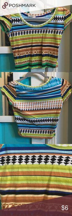 Patterned Short Sleeve Crop Top WORN ONCE tjmaxx Tops Crop Tops