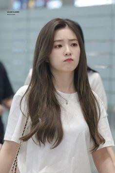 Irene-Redvelvet 190608 Incheon Airport to Philippines Red Velvet アイリーン, Irene Red Velvet, Seulgi, Korean Girl, Asian Girl, Red Velet, Jennie Blackpink, K Pop, Swagg