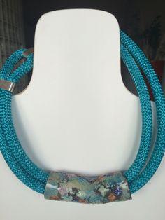 Collana cordone e pezzo fatto a mano in ceramica
