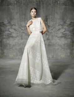 RAMBLA, yolancris, romantic, couture, dress, wedding, barcelona, bridal, gown, novia, vestido, bride, elegantes, atelier, modérons, originales, hechos a mano, artesanales, costura, couture gowns, tailored made, bespoke, best bridal designers, fashion, ele