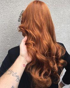 Pouca gente nasce ruiva, mas nada que um bom cabeleireiro não resolva: | 17 imagens de cabelos ruivos que vão te dar vontade de correr para o salão