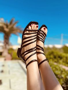 Sandali Donna Neri in Pelle con Fascette Made in Italy - KikkiLine Birkenstock Florida, Black Boots, Sandals, Shoes, Fashion, Moda, Shoes Sandals, Zapatos, Shoes Outlet