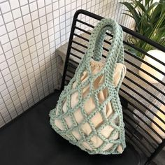 It's a mocha web bag that's too good to really feel an excellent chubby. Crochet Market Bag, Crochet Tote, Crochet Purses, Knit Crochet, Macrame Purse, Yarn Bag, Net Bag, String Bag, Boho Bags