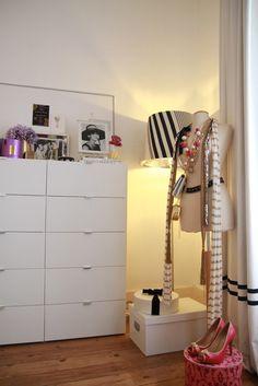 Home-Styling: Ikea in my House - O Ikea em Minha casa Home Bedroom, Master Bedroom, Bedroom Decor, Bedrooms, Bedroom Corner, Bedroom Ideas, Style At Home, Dressing Room Closet, Dressing Area