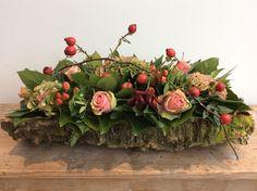 Bilderesultater for herfstbloemstukken Silk Flower Centerpieces, Christmas Flower Arrangements, Fall Arrangements, Exotic Flowers, Silk Flowers, Beautiful Flowers, Deco Floral, Arte Floral, Grave Decorations
